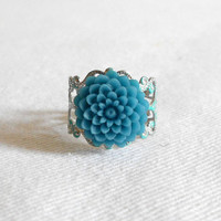 Sale - Dainty Chrysanthemum Vintage Filigree Adjustable Ring - Turquoise Lucite Flower in Victorian Inspired Patina Silver