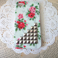Studded Flower iPhone Case fits for iPhone 4 Case by HaHaCup