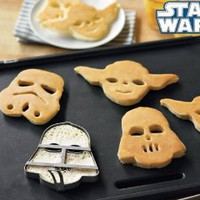 Amazon.com: Star Wars Pancake Molds, Set of 3 Heroes and Villains: Yoda, Darth Vader, Stormtrooper: Kitchen & Dining