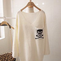 White Skull V Veck Bat Sleeve Loose Sweater