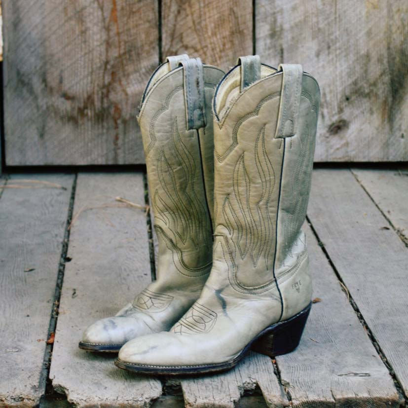 vintage frye cowboy boots sweet country inspired vintage