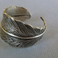 READY TO SHIP / Silver Feather Ring, Feather wrap Ring, Adjustable Feather Ring
