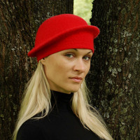 Felted classic red hat for woman  Retro red OOAK by ISfelteddesign