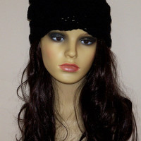 BLACK BEANIE HAT / Crochet chunky women hat / Black beanie with crochet flower