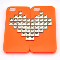 iPhone 5 hard Case Cover with silver heart-shaped pyramid stud For iPhone 5 Case, iPhone hand case cover  -0005