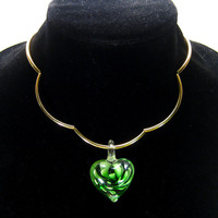 Heart pendant choker, green glass, scalloped necklace, gold plate