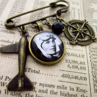 Amelia Earhart Brooch - Aviation Plane Women Cabochon Charm Brooch