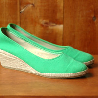 vintage 1970s espadrille wedges / 70s green canvas shoes / size 8 N