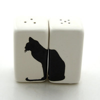 Cat Salt and Pepper Shakers by LennyMud on Etsy