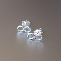 Sterling Silver Infinity Post Earr.. on Luulla
