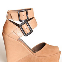Curvo Wedges by Bacio 61