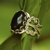 Silver Onyx Filigree Ring - RagTraderVintage.com