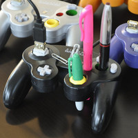 Upcycled GameCube Controller Pen by GreenCub