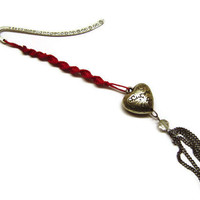 Valentine Day Gift, Red Heart Bookmark, Macrame Bookmark, Filigree Heart, Heart Bookmark, Gift, OOAK