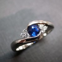 Diamonds Wedding Ring With Blue Sap.. on Luulla