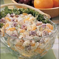 Recipes: Fav  Want to Try / Creamy chicken salad with almonds, grapes and mandarin oranges.