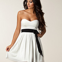 Bandeau Beauty Dress, Elise Ryan