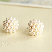 Fashion Elegant Round Pearl Earring.. on Luulla