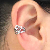 Vintage Silver Crown Ear Cuff on Luulla
