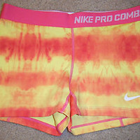 Women's NIKE PRO COMBAT Compression Athletic Running Spandex Shorts Size MEDIUM
