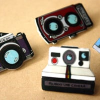 CAMERA BROOCH PINS Set of 4 vintage cameras by DecayAndRenewal