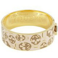 Alexander McQueen : MISTY ROSE ENAMEL SKULL CLASP BANGLE