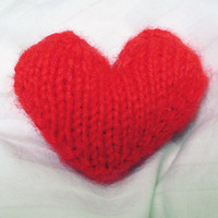 Knitted Valentine's Heart PDF on Luulla