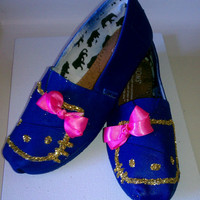 Hand Painted toms Royal blue and pink Hello kitty kat by conchetts