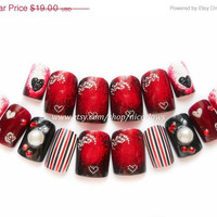 ON SALE A Romantic Gothic Valentine Set of Nails Medium Length Deep Reds