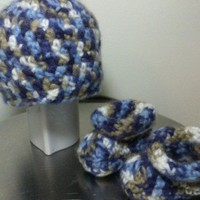 Preemie to Newborn Hat and Bootie Set
