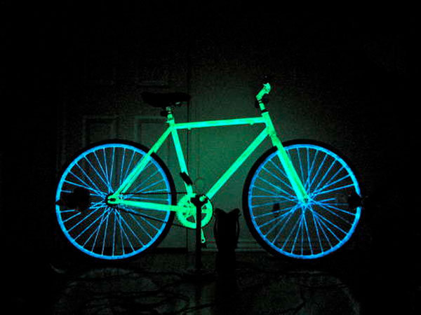 How to make a glow in the dark night bike at home | Doobybrain.com