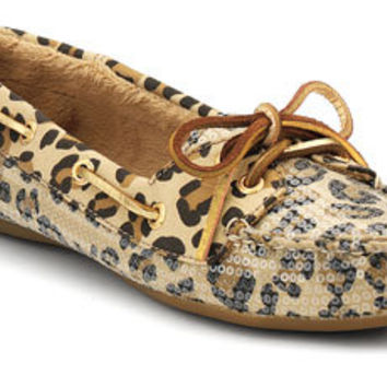 Stay Warm this Winter with Sperry Slippers for Women
