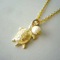 Turtle Necklace. Charm Necklace. Go.. on Luulla
