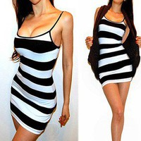 SEXY BLACK WHITE STRIPED FITTED TANK DRESS TUNIC TOP / MINI DRESS M