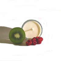 Fresh Fruit - Spring fragrance. Home decor. Tart, crisp, fruity and clean scented soy candle