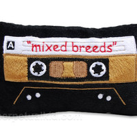 MIXED BREEDS CASSETTE DOG TOY