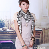 Cheap white animal skins double pendant triangle scarf ts0020 [TS0020]- US$28.00 outlet free shipping with top quality - scarves4ever.com