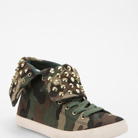 Urban Outfitters - Y.R.U. Thrill Camo Fold-Over High-Top Sneaker