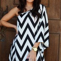 Head Over Heels For Chevron Dress: Black/White | Hope&#x27;s