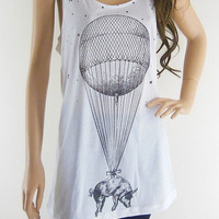Floating Balloon Pig Sky Funny Animal Design Pig Tank Top Women T-Shirt White Sleeveless Animal T-Shirt Screen Print Size M