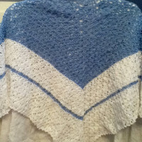 Lacy Shawl in Blue and White Thread
