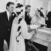 Liz Taylor's Gorgeous '64 Wedding Hairstyle Is Gorgeous