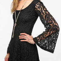Urban Outfitters - Staring At Stars Lace Bell-Sleeve Dress