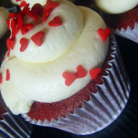 The Best New York Red Velvet Cupcakes with Cream Cheese Icing Great Valentines Day Gift