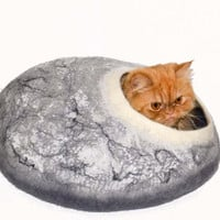 Large cat bed marble color, cave , felted cats house grey