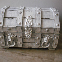 vintage Treasure Chest Jewelry trunk  Shabby by MamaLisasCottage