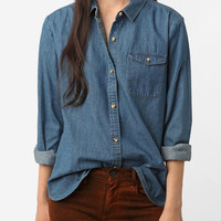 Urban Outfitters - BDG Chambray Button-Down Shirt