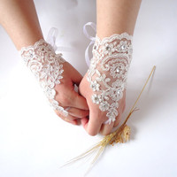 Wedding Gloves, Sparkles Stones, Lace Wedding Accessory, Bridal accessory, Fingerless Gloves, Ivory,