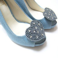 Heart pearls shoe clips in Gray Blue by finkshop on Etsy