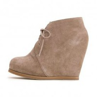 dolce vita - women&#x27;s pura wedge heel bootie (taupe) - Dolce Vita | 80&#x27;s Purple